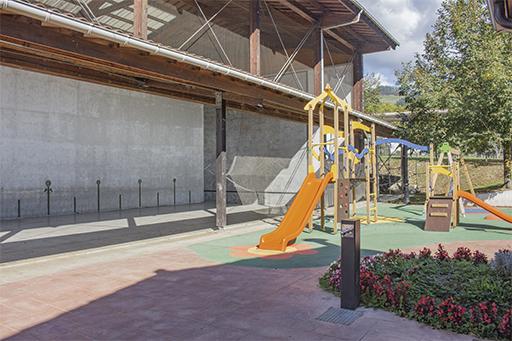 Parque y frontón de Alegia (Itsaso)
