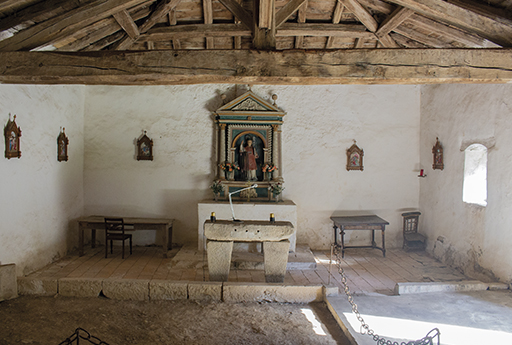 Interior de la ermita San Lorentzo de Itsaso